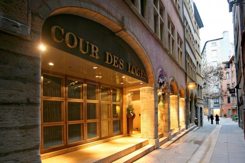 Cour des Loges Lyon Historic Centre - UrbanBooker